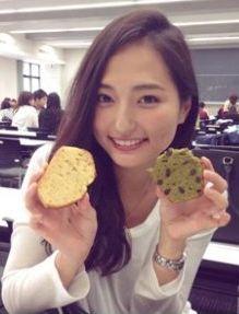 山賀琴子のかわいい画像2