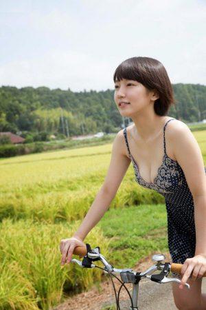 吉岡里帆のかわいい画像2