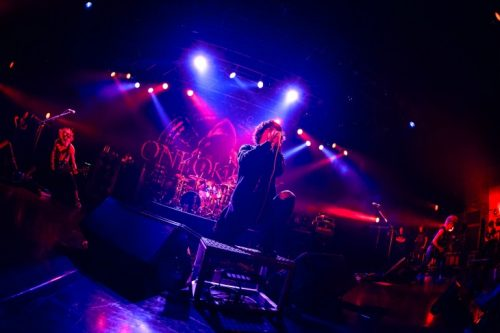 ONE OK ROCKライブ